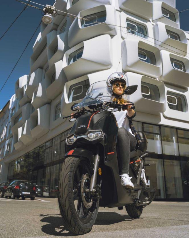 E-Motorrad SUPER SOCO CPX mit Zulassung